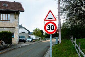 Circulation en agglomération : 50km/heure maximum
